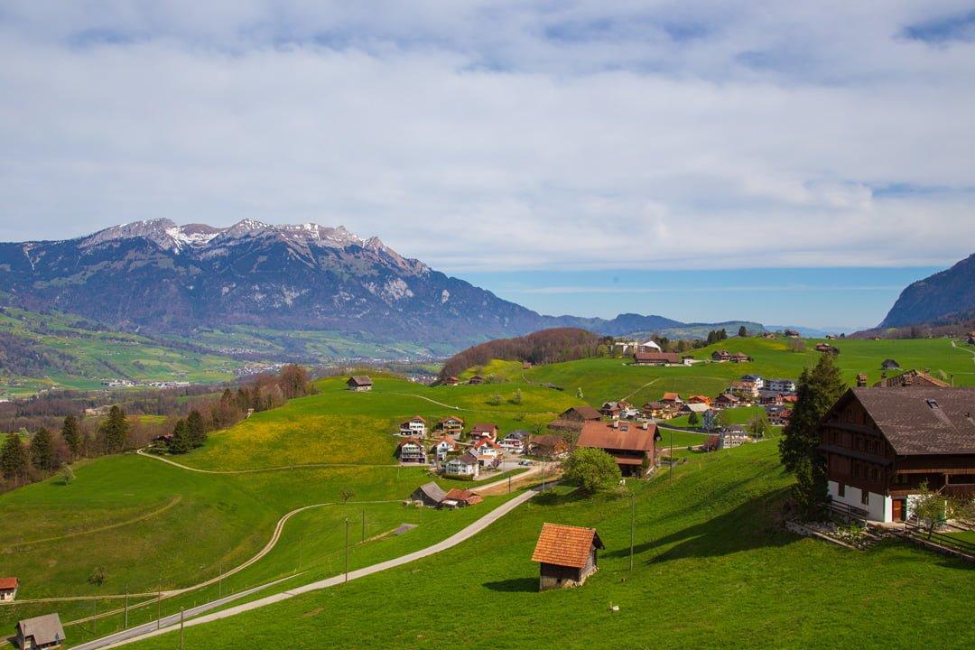 Rundwanderung Obwalden Kerns Flüeli Sicht auf St. Niklausen