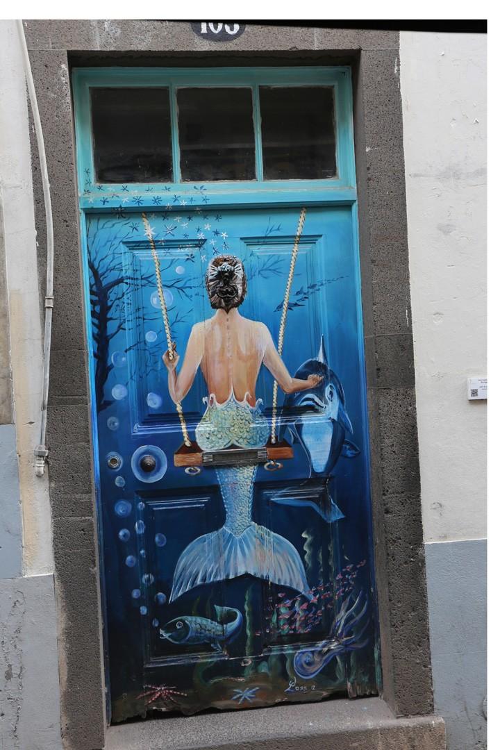 Funchal Rua de Santa Maria mit bemalten Türen