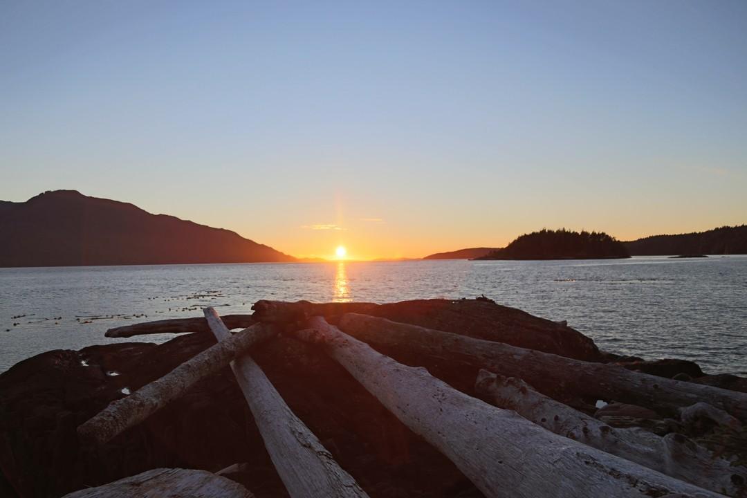 Sonnenuntergang, Sophie Island, Seakayaktour, Vancouver Island