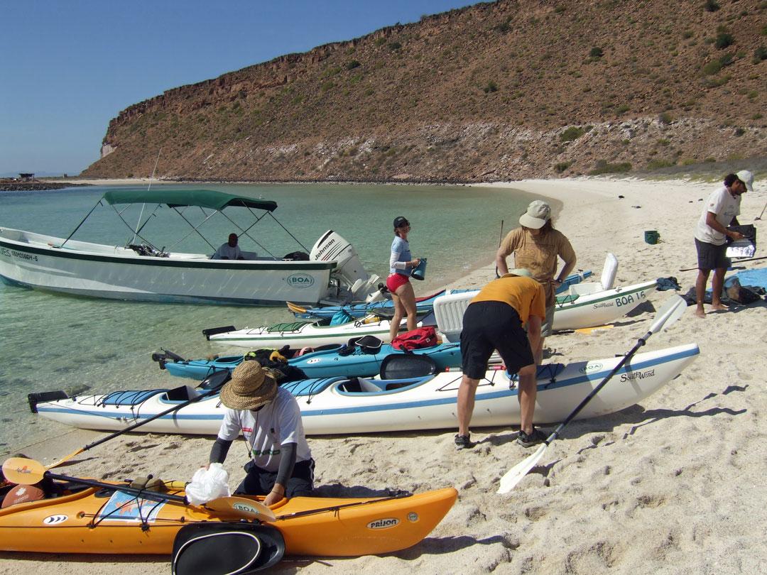 Vorbereitung sea kayak isla espiritu santo Baja California Sur Mexico