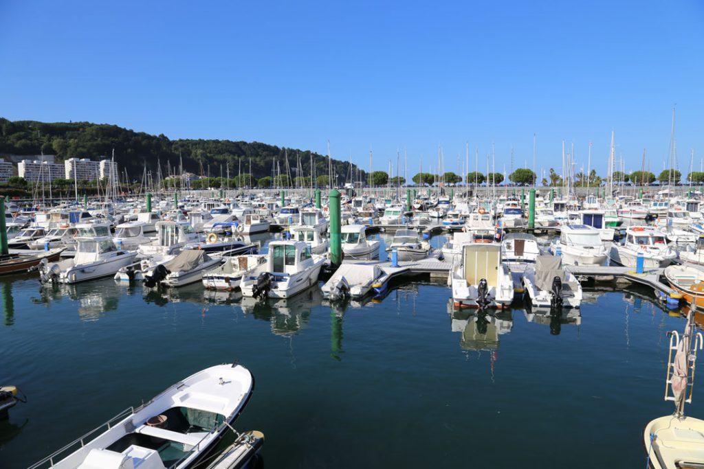 Hondarriba Hafen Baskenland Spanien
