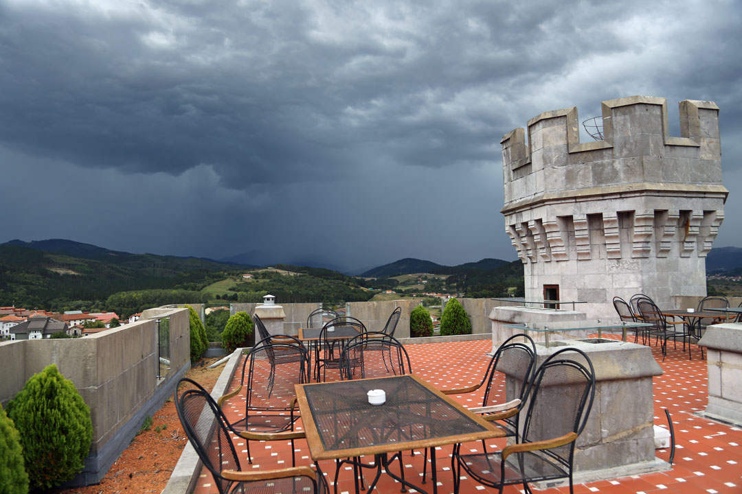 Dachterasse Hotel Castillo de Arteaga Baskenland Spanien
