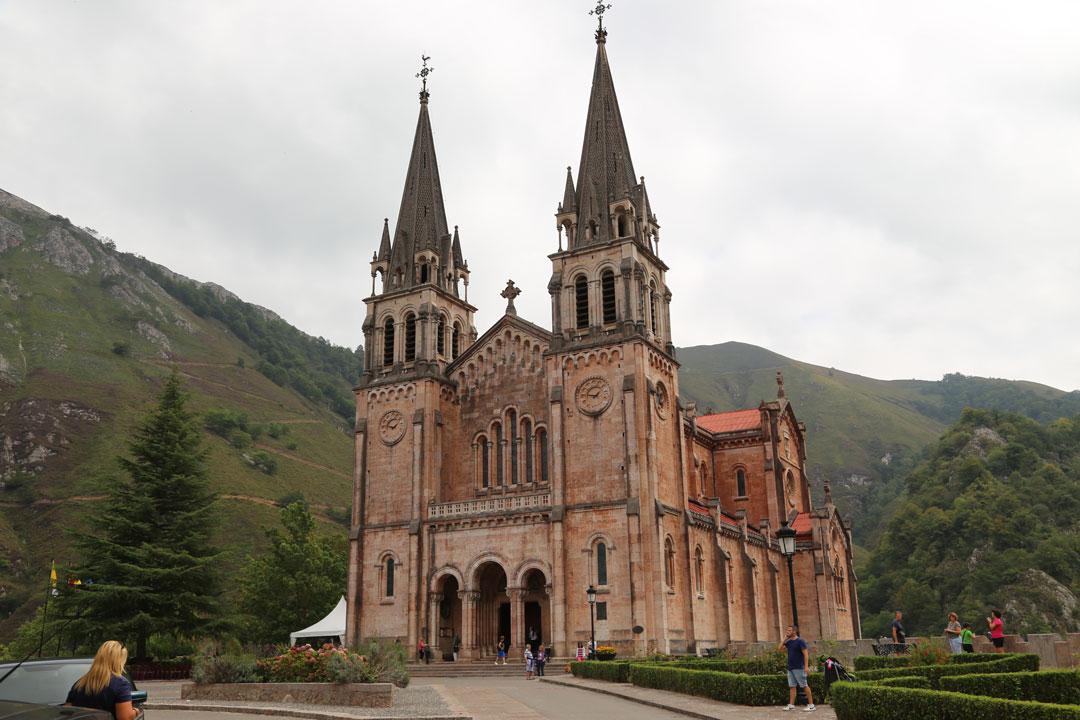 Covadongas Basilika Asturien Spanien