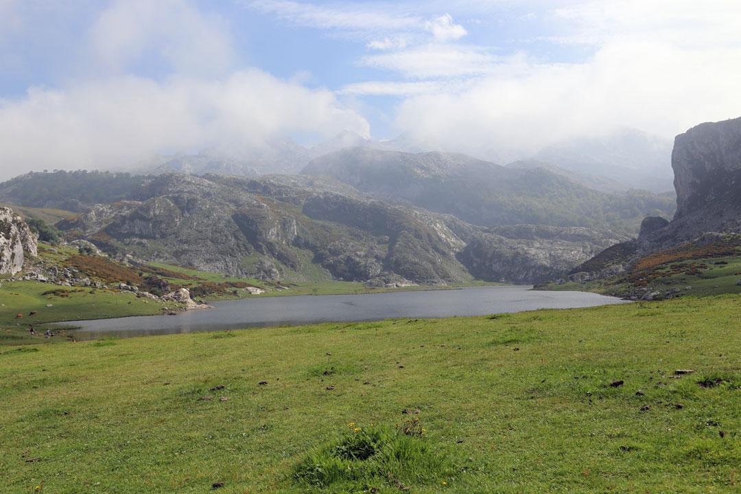 Gletscherseen Enol und Ercina Picos de Europa Asturien Spanien