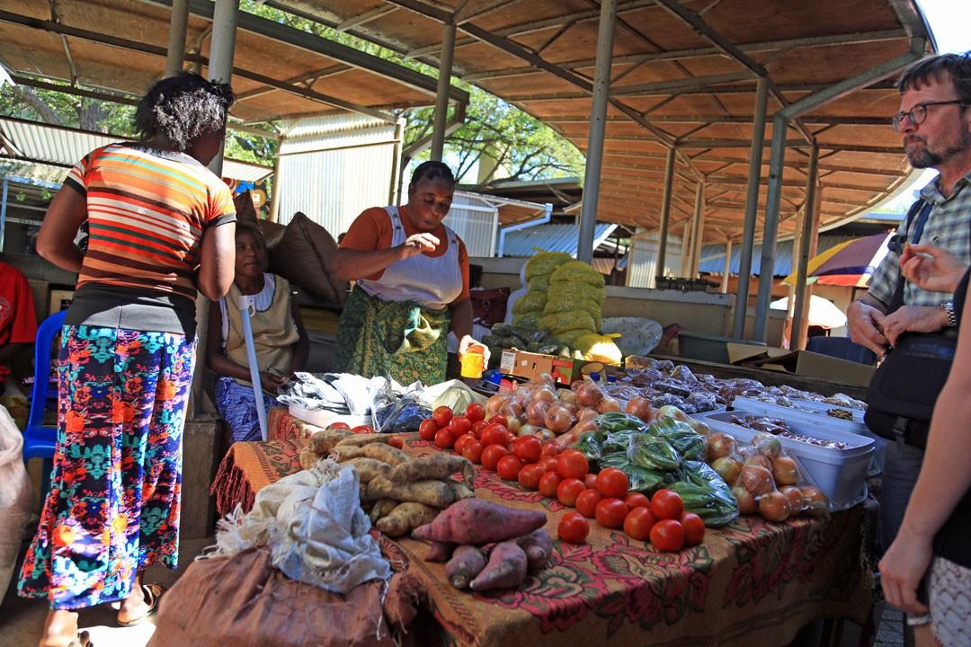 Katima-Mulilo-Markt-Gemuesestand-Namibia