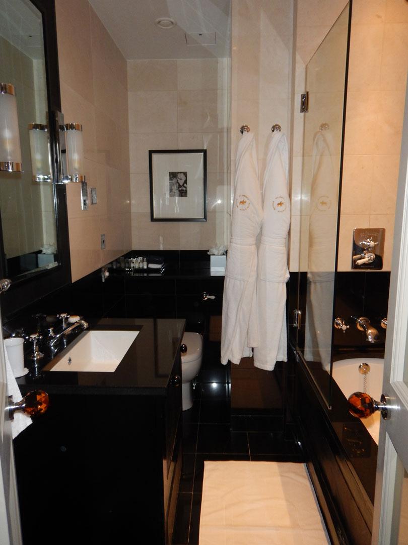 St.James Hotel London Zimmer