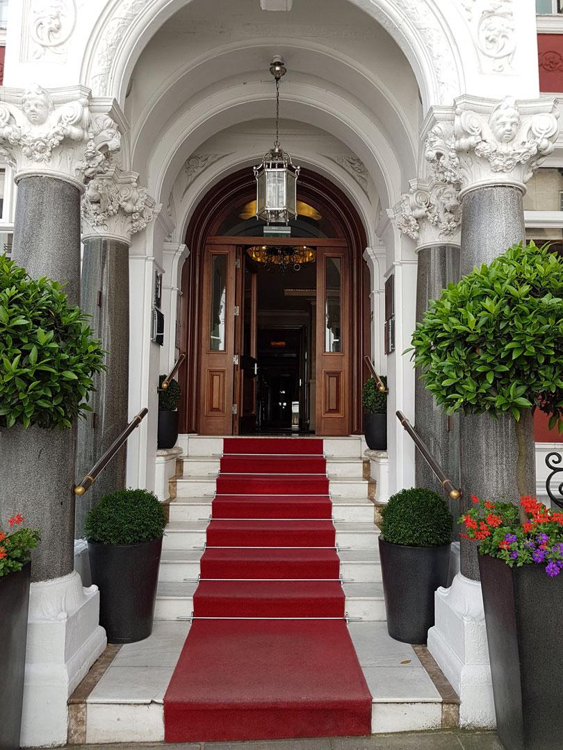 St.James Hotel London Treppenaufgang