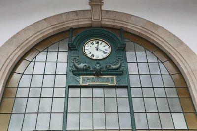 Bahnhofsuhr Porto Portugal