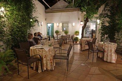 Carmona Restaurant la Yedra Andalusien Spanien