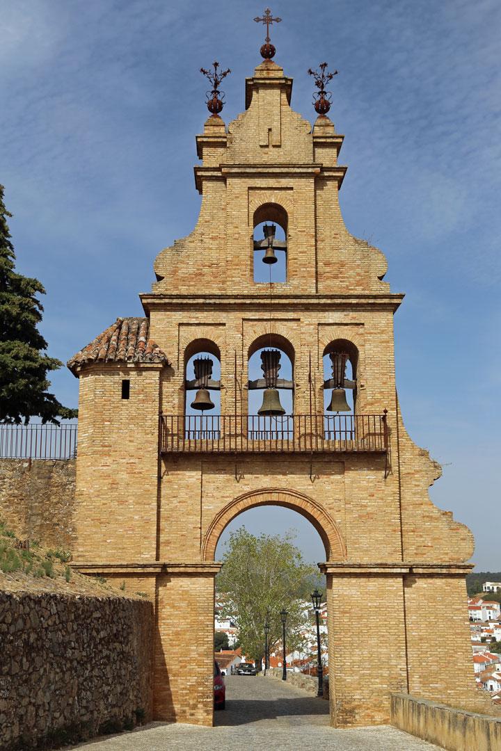 Glockenturm Castillo Aracena Andalusien Spanien