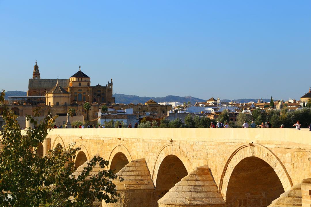 Puente Romano Cordoba Andalusien Spanien