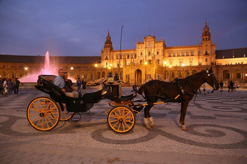 Kutschenfahrt Plaza de Espania Sevilla Andalusien Spanien