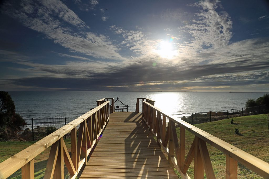 Parador Mazagon Steg zum Strand Andaluisen Spanien
