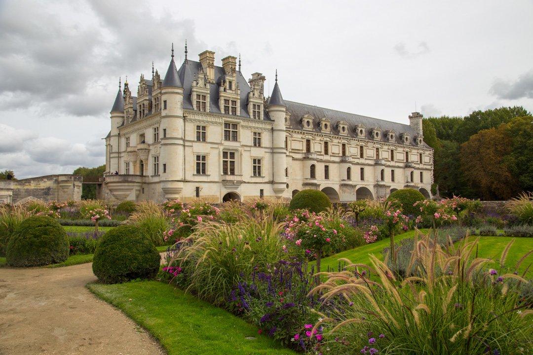 Château Chenonceau über dem Fluss Cher