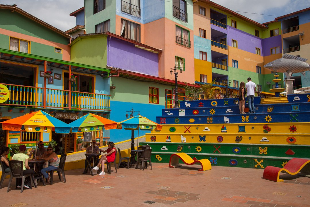 Dorfplatz Guatape Kolumbien